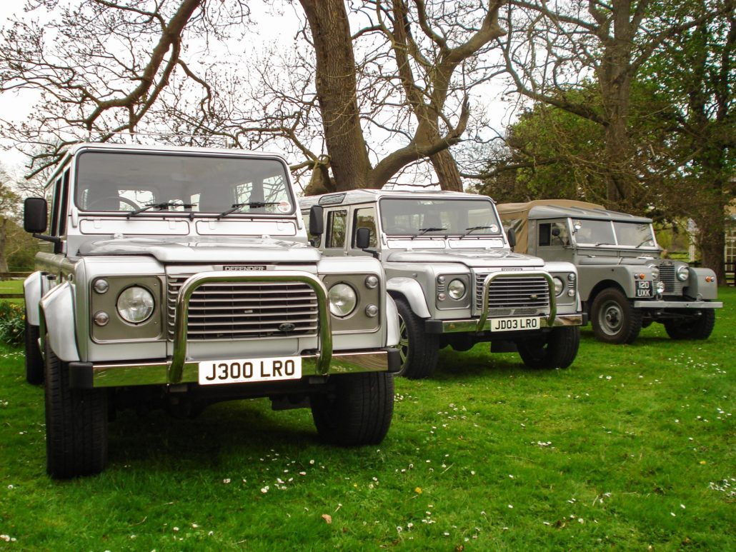 //middletonandwood.co.uk/wp-content/uploads/2020/06/4x4-fleet-1030x773-1.jpg